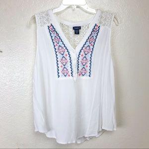 Torrid White Crochet Lace Aztec Print Top